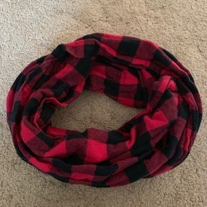 Accessories - Great condition infinity scarf 🍁🍃🍂